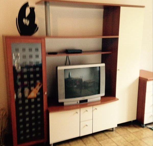 Vendesi appartamento ristrutturato di circa 40 mq al quarto piano con ascensore.