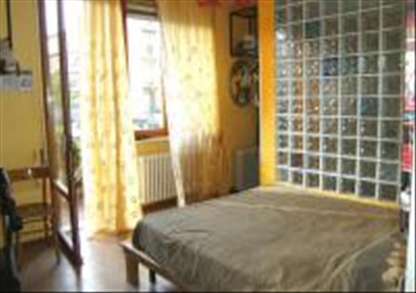 Vendesi appartamento centrale su Via di Vittorio di circa 105 mq con garage