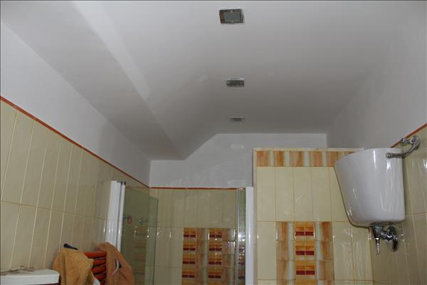 Vendesi prestigioso appartamento di circa 180 mq con ampio garage di circa 80 mq e posto auto coperto