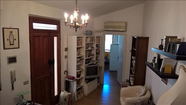 Vendesi grazioso appartamento fuori le mura del Centro Storico
