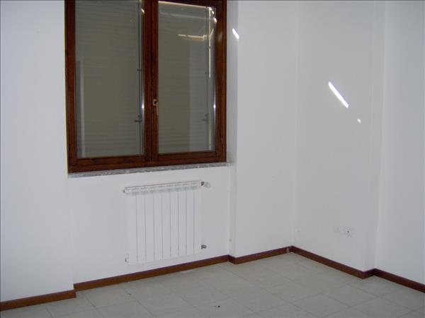 Vendesi appartamento di nuova costruzione di 108 mq circa al primo piano con ascensore in ottima zona.