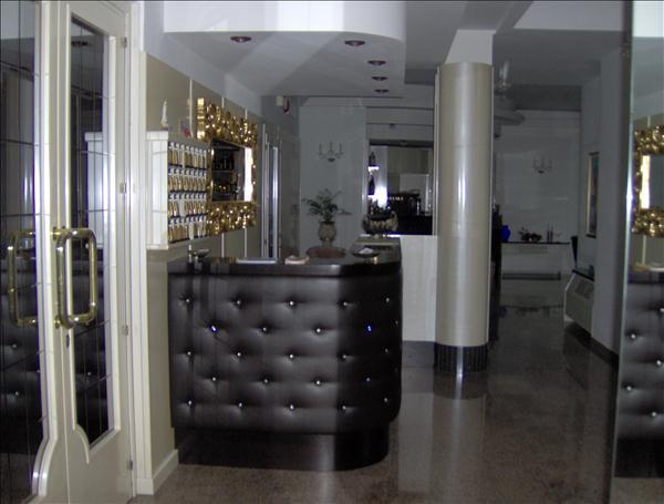 Vendesi hotel*** 34 camere ristrutturato con cura