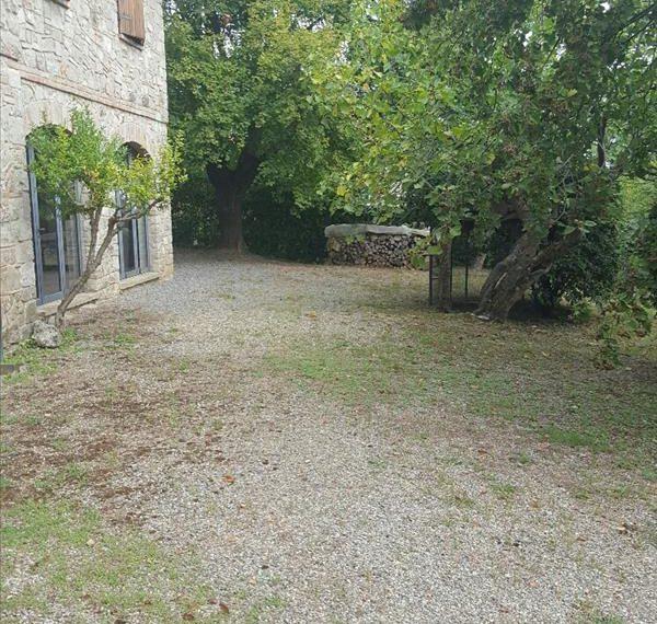 Villa in pietra in ottimo stato in vendita a Sarteano