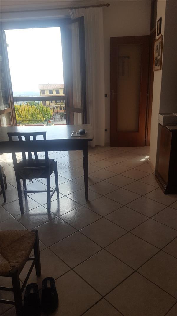 Vendesi appartamento panoramico pari al nuovo for Vendesi appartamento