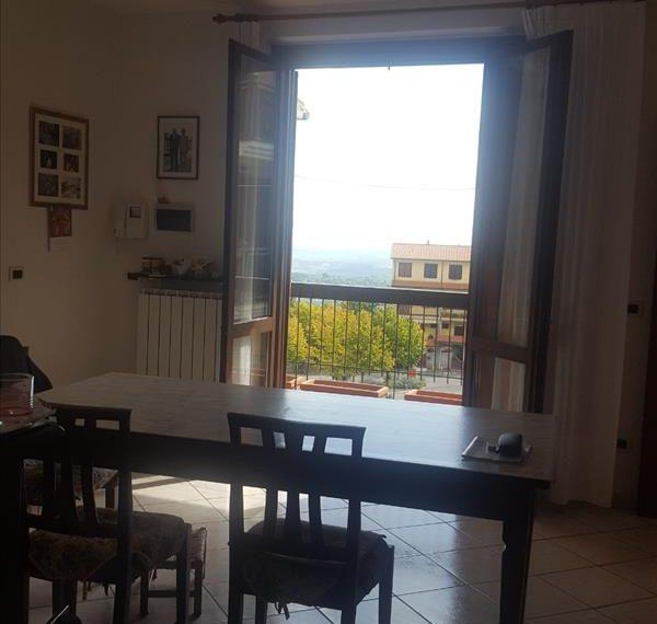 Vendesi appartamento panoramico pari al nuovo
