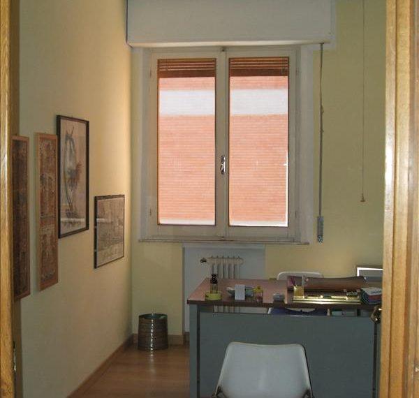 Vendesi in zona Sant'Elena appartamento uso ufficio di circa 70 mq completamente ristrutturato